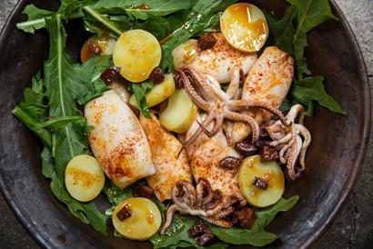 Как запекать морепродукты в духовке