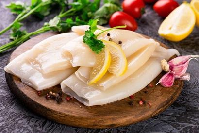 Как правильно варить и чистить кальмары