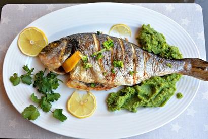 Какую рыбу лучше запекать в духовке