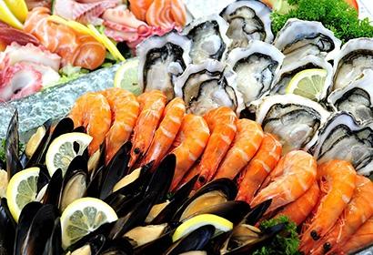 Как выбрать свежие морепродукты