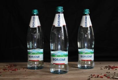 Вода BORJOMI минеральная лечебно-столовая газированная