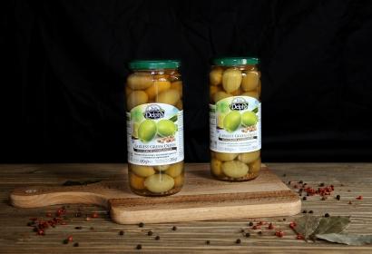 Оливки гигантские с косточкой в рассоле с лимоном и кориандром