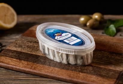 Сельдь-филе кусочки в масле с луком